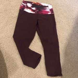 Lulu Lemon size 8 cropped leggings!